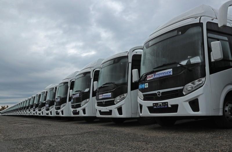 Глава Крыма рассказал о принятии на баланс более 400 новых автобусов
