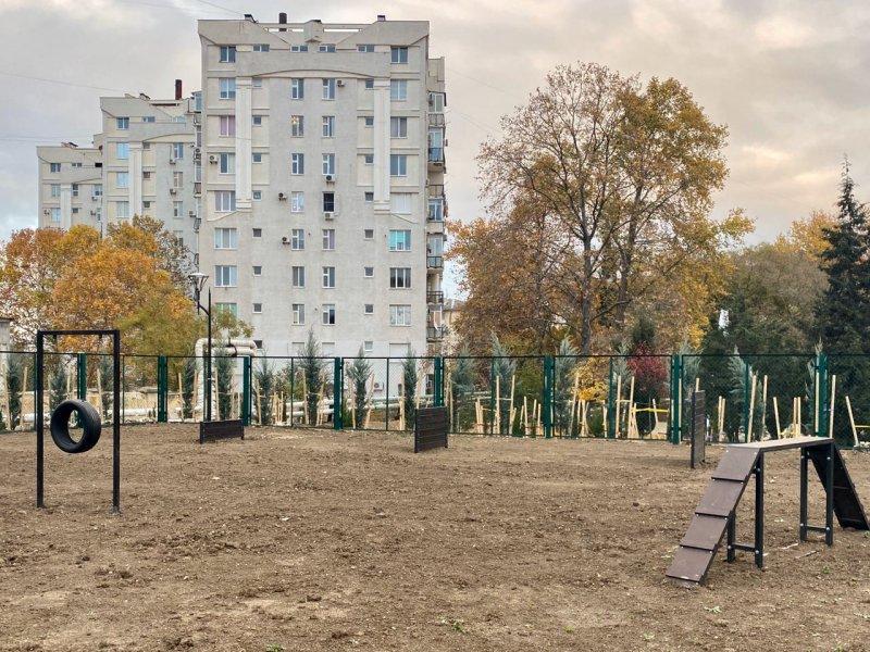 Завершено благоустройство сквера Севастопольских курсантов