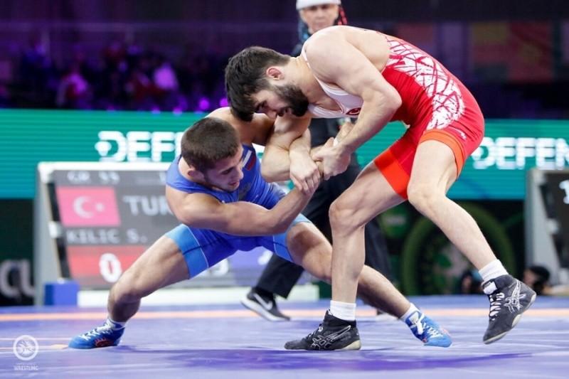 Сергей Аксенов поздравил спортсмена из Крыма с победой на Кубке мира