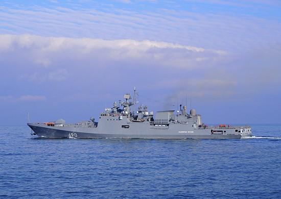 Фрегат «Адмирал Эссен» уничтожил условного противника в Черном море