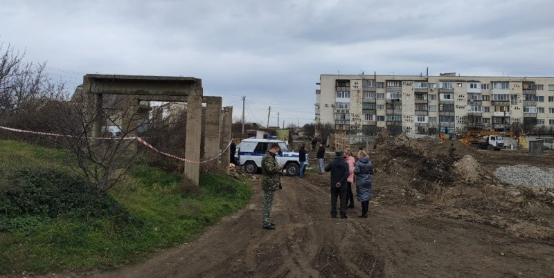 Подросток погиб при обрушении бетонной плиты в Севастополе