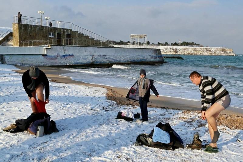 Юные рукопашники Севастополя приняли участие в крещенских купаниях