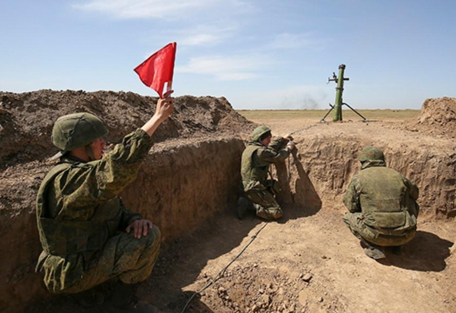 В Крыму прошло полевое учение с миномётными расчётами