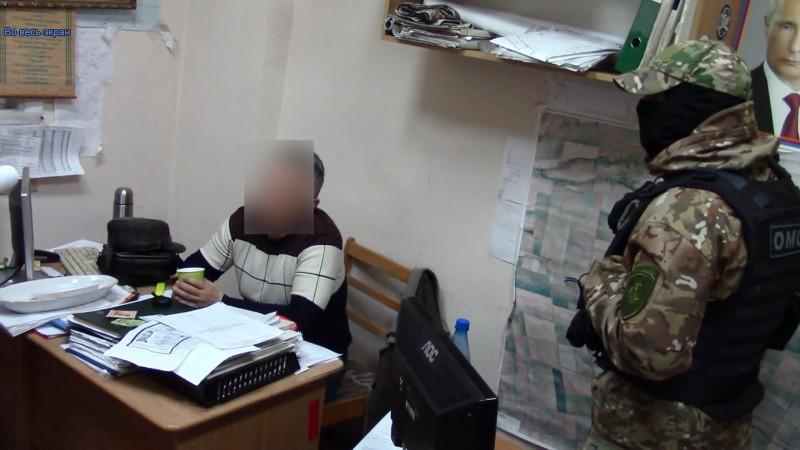 В Крыму при получении взятки задержано должностное лицо госпредприятия