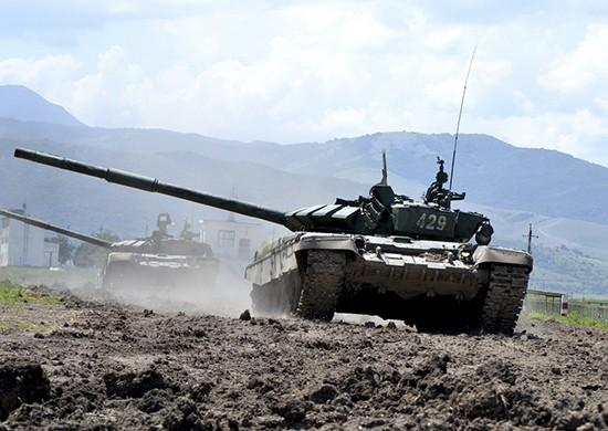 Танкисты армейского корпуса ЧФ провели учение в Крыму