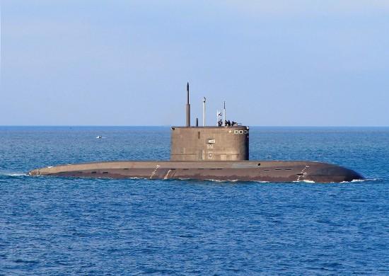 Экипаж подводной лодки «Колпино» провел комплексное учение в Черном море
