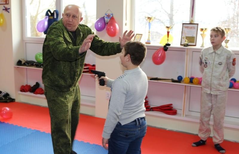 На Северной стороне открылся новый клуб армейского рукопашного боя