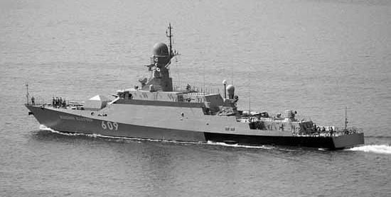 МРК «Вышний Волочёк» провёл учение по ПВО в Средиземном море