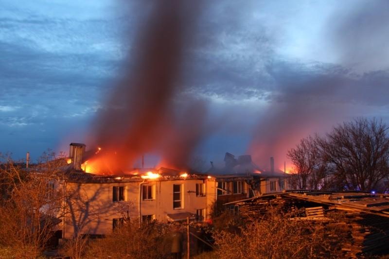 В Крыму произошел пожар в многоквартирном жилом доме