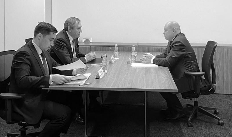 Губернатор Севастополя провел встречу с министром энергетики РФ