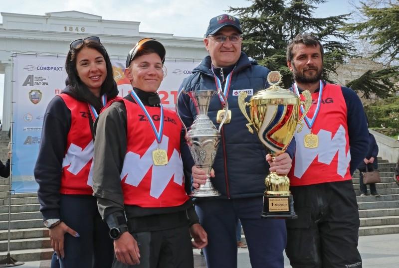 Командующий Черноморским флотом победил в финальном этапе парусной регаты