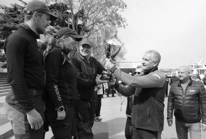 Глава Крыма наградил победителей парусной регаты «Русская весна 2021»