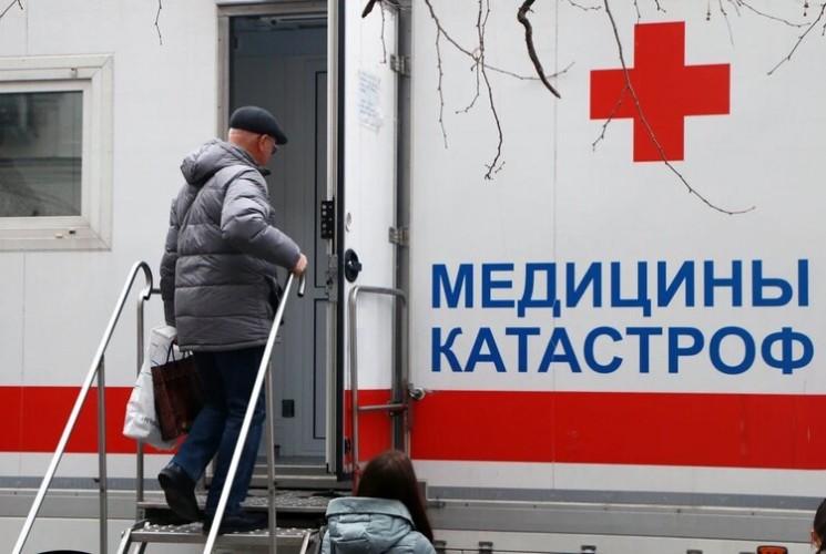 В Севастополе развернули еще три мобильных пункта вакцинации от COVID-19