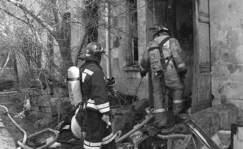 На Северной стороне Севастополя произошел пожар в многоквартирном доме