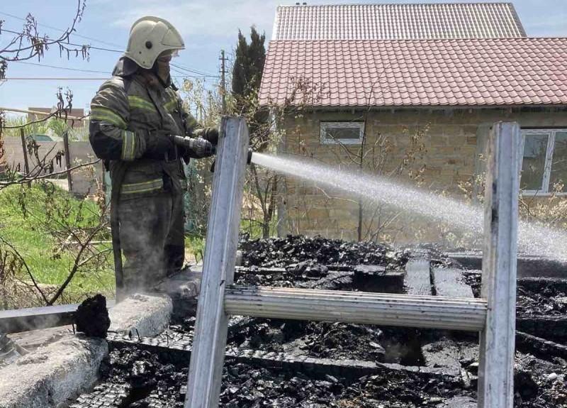 В Севастополе произошел пожар в дачном доме