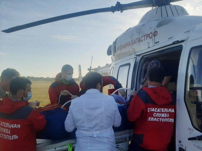 Пострадавшую на пожаре в Севастополе девочку доставили вертолетом в Краснодар