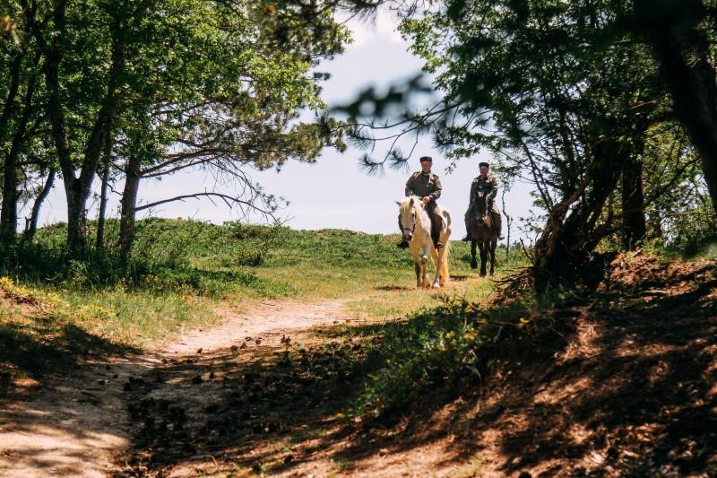 Леса Севастополя под надзором казачьих конных патрулей