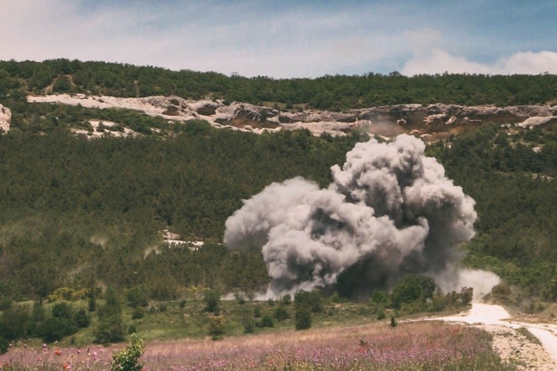 В Севастополе одновременно уничтожили пять авиабомб