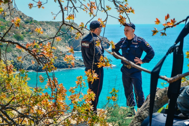 Сотрудники МЧС и полиции провели совместный рейд на мысе Фиолент