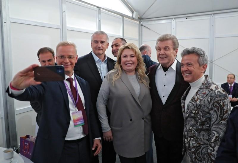 Глава Крыма поприветствовал гостей фестиваля «Дорога на Ялту»