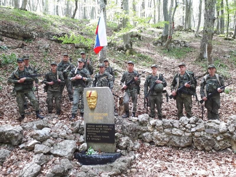 Военнослужащие совершили поход по местам боевой славы крымских партизан