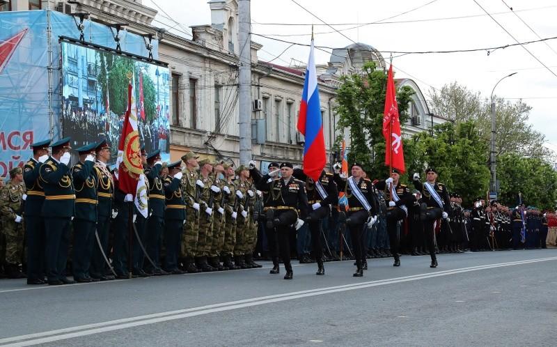 В Симферополе состоялся парад Победы