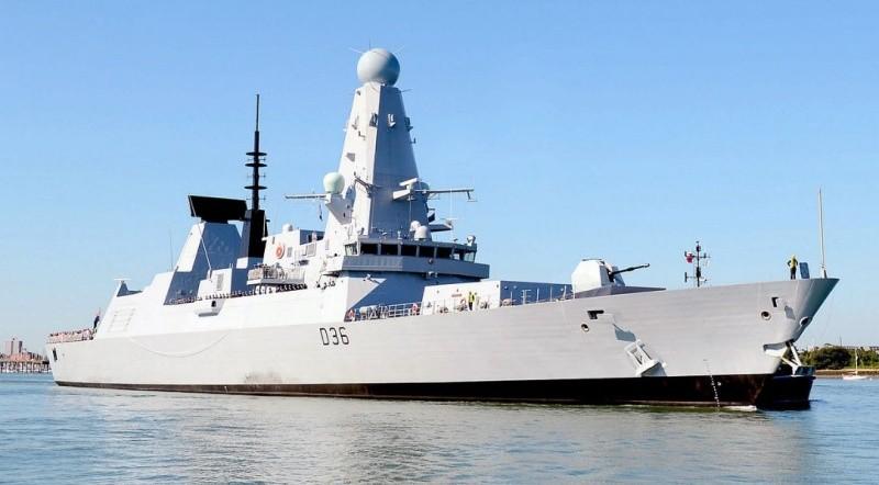 Британский эсминец нарушил госграницу России в районе Севастополя