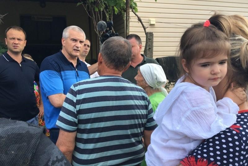 Глава Крыма ознакомился с ходом восстановительных работ в Керчи