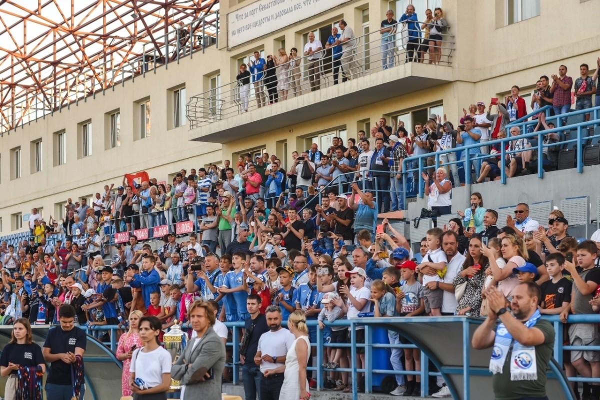 «Севастополь» завершил чемпионат Премьер-лиги КФС на первом месте