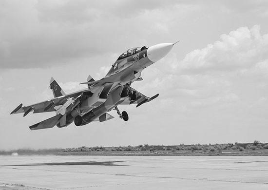 Экипажи самолетов и вертолетов провели учение в Крыму