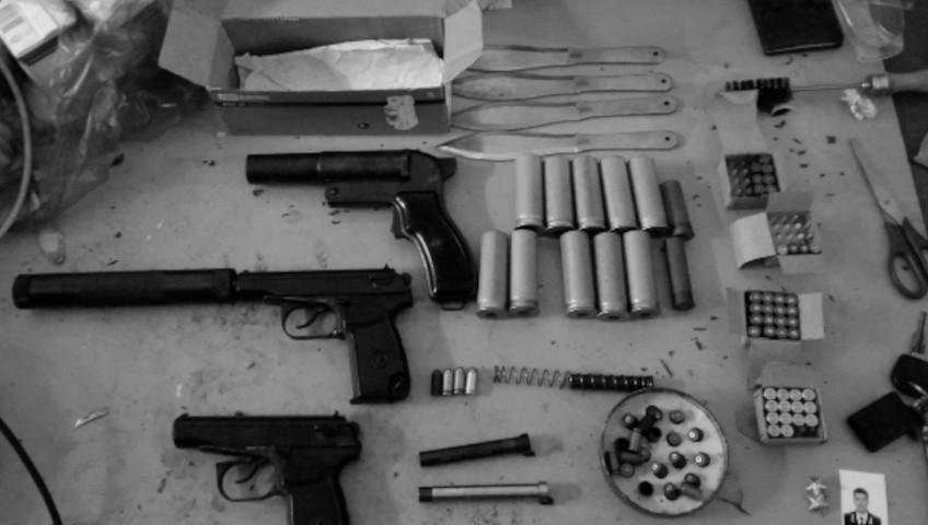 В Севастополе пресекли незаконную деятельность в сфере оборота оружия