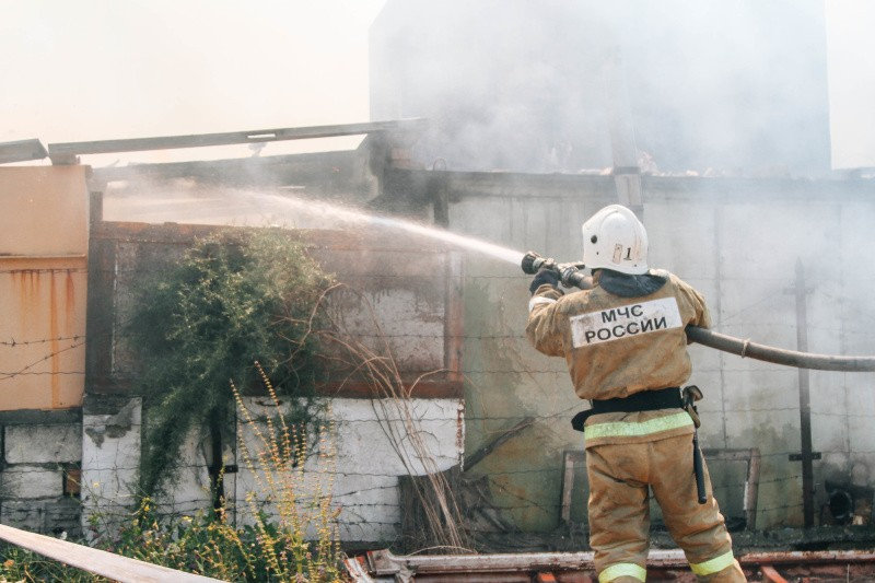 В Севастополе произошел пожар в двухэтажном частном доме