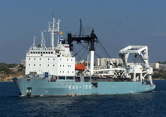 Килекторное судно «КИЛ-158» возвращается в Севастополь из Средиземного моря