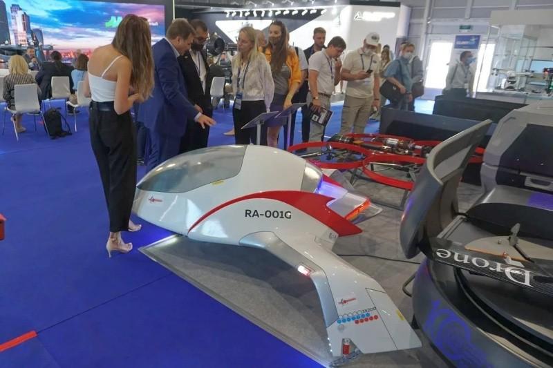 Ученые из Севастополя представили модель аэротакси на авиасалоне МАКС