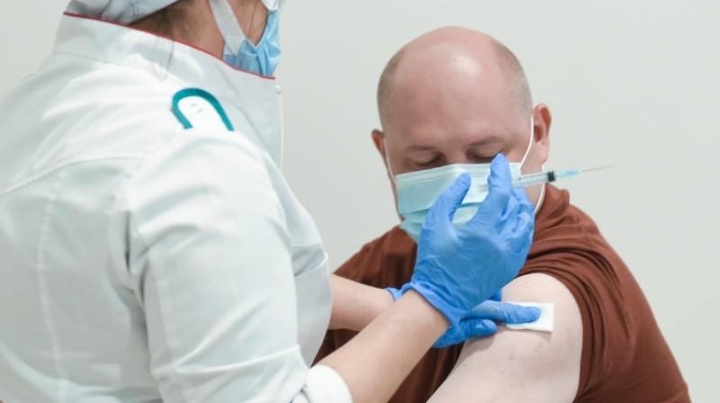 100 тысяч жителей Севастополя сделали первую прививку от COVID-19