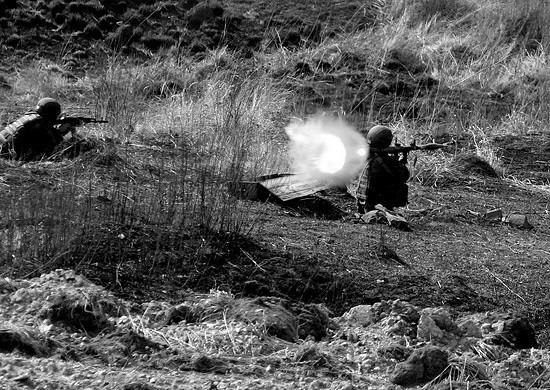 Военнослужащие армейского корпуса ЧФ провели боевые стрельбы в Крыму