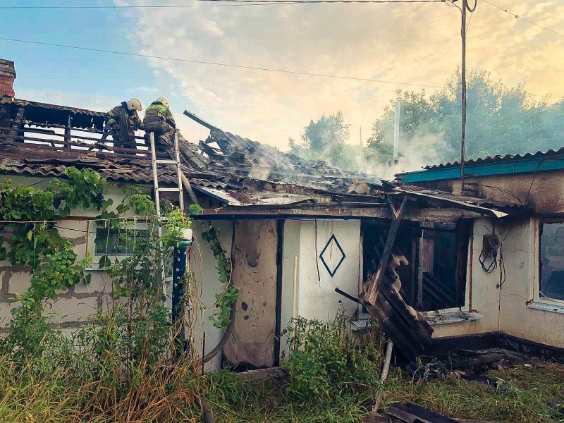 В Севастополе произошел пожар в частном доме по улице Абрикосовой