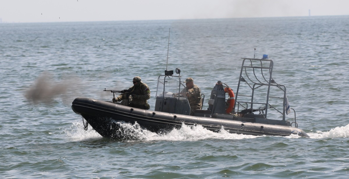В Керчи разведчики осуществили высадку морского десанта