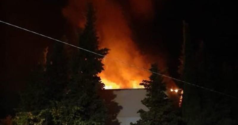 В Ялте полицейский спас на пожаре мужчину и женщину