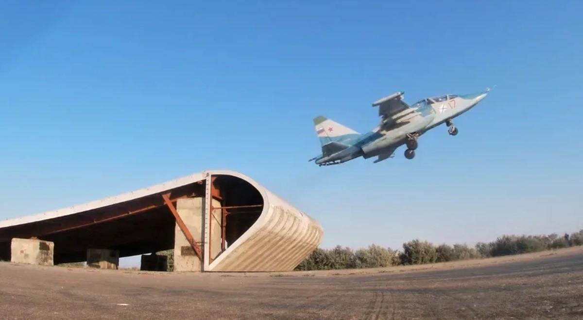В Крыму проходит подготовка летного состава палубной авиации Северного флота