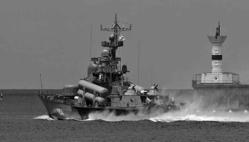 Корабли Черноморского флота вышли из пунктов базирования для проведения учений