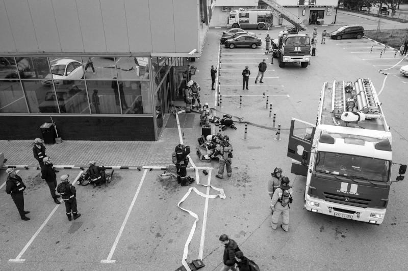 В крупном торговом центре Севастополя прошло учение по ликвидации условного пожара