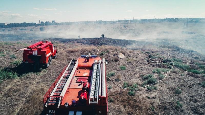 В Севастополе произошел крупный природный пожар