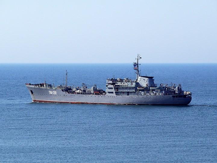Плавучая мастерская ПМ-138 возвращается в Севастополь из Средиземного моря
