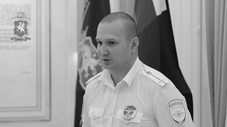В Севастополе полицейский спас тонувшую в море женщину и ее дочь
