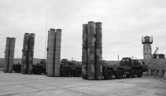 Дивизионы ЗРК С-400 «Триумф» провели учение в Крыму