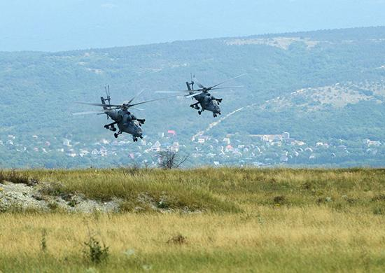 Экипажи вертолетов Ми-35 уничтожили условного противника на учениях в Крыму