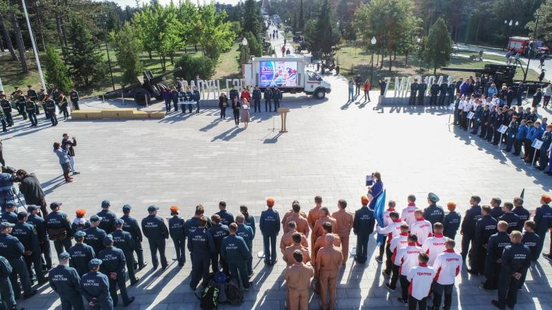 В Севастополе стартовали соревнования «Многоборье спасателей МЧС России»